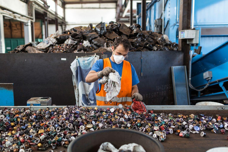 Recyclinganlage in Moudon im Schweizer Kanton Waadt: Ein Teil der Nespresso-Kapseln wird hier wiederverwertet.