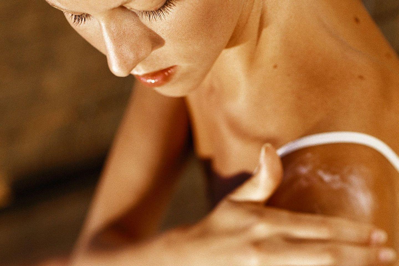 Die Haut ist gerötet und juckt, nun braucht sie besondere Pflege
