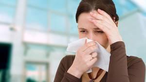 Die richtige Grippe beginnt plötzlich und heftig, das Fieber steigt schnell