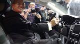 VW-Boss Martin Winterkorn präsentiert das neue Vorzeigemodell des Konzerns der Öffentlichkeit.