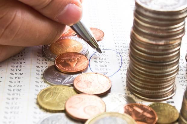Das Sparbuch hat als Altersvorsorge ausgedient - die Mini-Zinsen decken nicht einmal die Inflation.