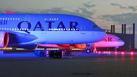 Erster A380 für Qatar Airways: Roter Teppich für den Super-Airbus