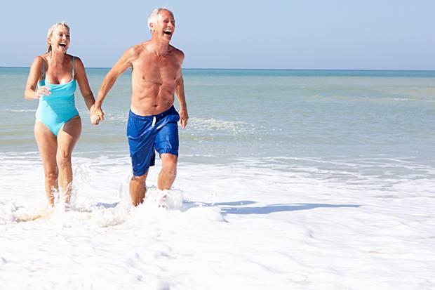 Das Bundesarbeitsgericht hat entschieden: Zum Schutz älterer Mitarbeiter darf der Arbeitgeber ihnen mehr Urlaub gewähren.