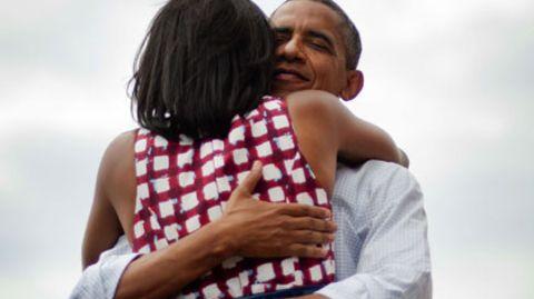 Barack Obama und seine Ehefrau Michelle: Dieses Foto begeistert am Wahltag Millionen Menschen in aller Welt. Dabei ist es drei Monate alt
