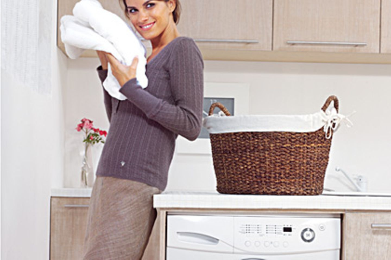 Waschpulver für Weißes wäscht nicht nur besonders rein, sondern hellt die Wäsche, dank der enthaltenen Bleiche, auch noch auf