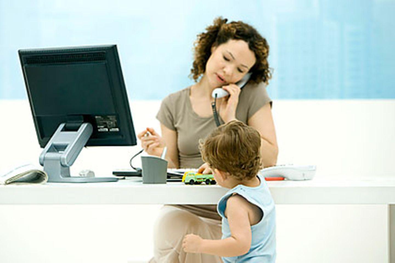 Lehrer, Außendienstler und Freiberufler können sich freuen: Künftig ist das Arbeitszimmer wieder besser absetzbar