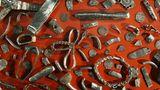 """Ganz schön viel Metall: Im Britischen Museum sind unter anderem der Silberfund von Harrogate, 617 Münzen und andere Klimpereien, und der berühmte Goldschatz von Hiddensee zu sehen.  Mehr Infos zu der Ausstellung """"Wikinger - Leben und Legende"""" gibt es hier."""
