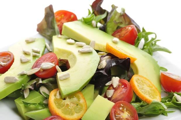 """Optik lecker, Genuss eher eingeschränkt: Keiner der untersuchten Salate war """"von guter mikrobiologischer Qualität""""."""