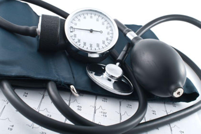 Eine weltweite Studie belegt: Bluthochdruck ist die größte Gefahr für die Gesundheit - noch vor Alkohol und Rauchen.