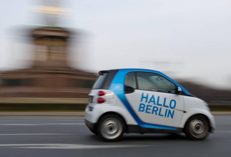 In den Ballungsräumen gehören die Carsharing-Fahrzeuge inzwischen zum Straßenbild.