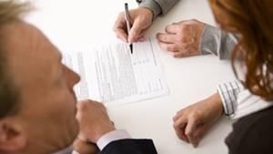 Wer seine Lebensversicherung gekündigt hat, darf jetzt unter Umständen auf Nachzahlungen hoffen