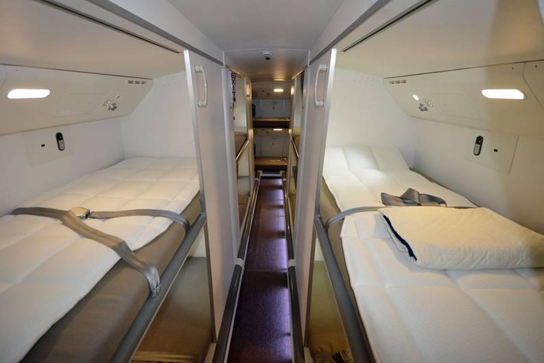 boeing 747 8 berf hrungsflug im leeren jumbojet ber den. Black Bedroom Furniture Sets. Home Design Ideas
