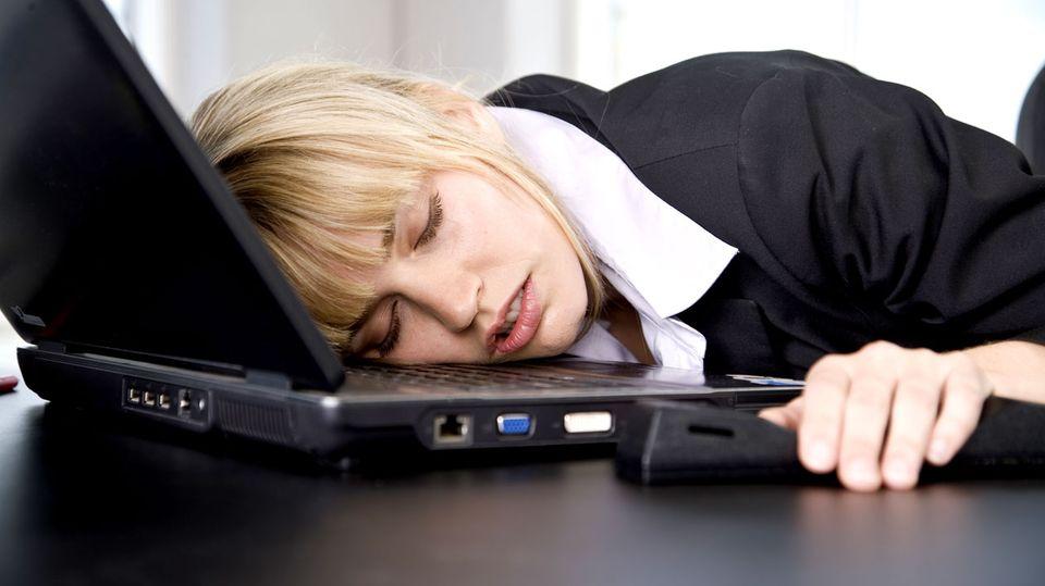 Die Nasa hat's bewiesen: Ein Schlaf auf der Tastatur macht fit