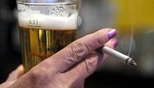 Beim Alkoholkonsum liegt Deutschland in der Spitzengruppe, geraucht wird weniger