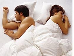 Vorwürfe und unerledigte offene Rechnungen aus der Vergangenheit gehören zu den häufigsten Barrieren, die der Sexualität in langjährigen Beziehungen im Weg stehen