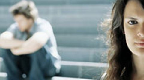Getrennt aber nicht geschieden: Wer in einer neuen Partnerschaft lebt, verliert das Recht auf Unterhalt