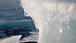 Tauwetter: Das Eis in der Antarktis scheint im Sommer schneller zu schmelzen als angenommen