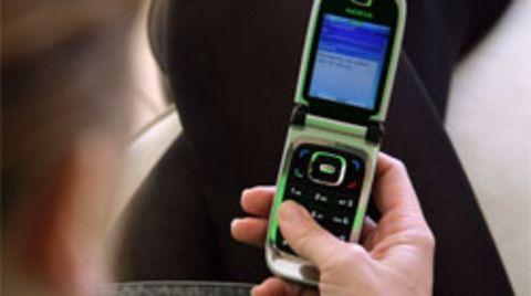 Mobilfunkanbieter vermelden anhaltenden Boom: Jeder Deutsche schreibt im Schnitt 350 SMS pro Jahr