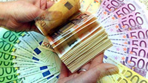 """""""Warum wird mit Geld überschüttet, wer auf ganzer Linie versagt hat"""", meint Bundeskanzlerin Angela Merkel"""