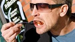 So bitte nicht: Kauen und Abbeißen mit offenem Mund