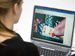 Onlinepoker ist für Profis so interessant, weil mehrere Hände gleichzeitig gespielt werden können