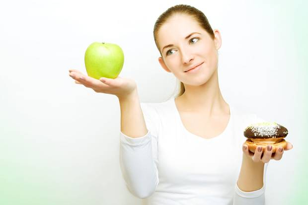 Wer an Heuschnupfen leidet, reagiert oft auch auf bestimmte Nahrungsmittel, weil sich die jeweiligen Allergene sehr ähneln