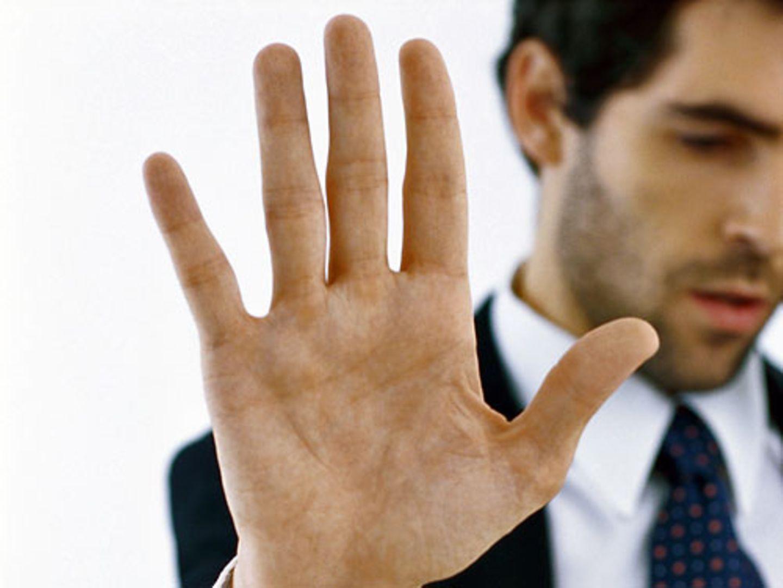 Die Finger der Hand symbolisieren die Zahl Fünf - Gedächtnistrainer Gregor Staub schwört darauf