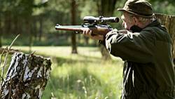 Ein Jäger muss Tiere und Menschen schneller wahrnehmen können als tote Gegenstände