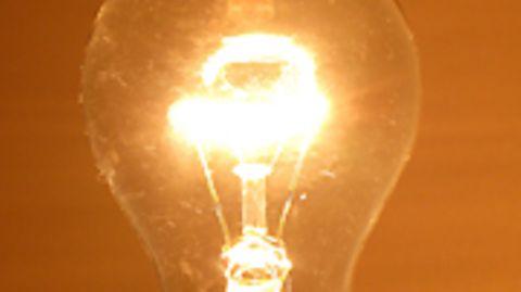 Warm, wohlig, bald verboten: Der Nachfolger der herkömmlichen Glühlampe musste seine Seele der reinen Vernunft opfern