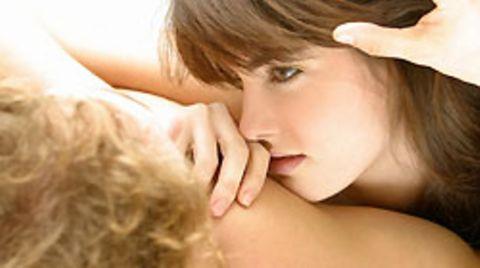 Kopfschmerzen können mit sexueller Aktivität zusammenhängen
