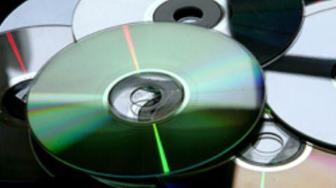 Raubkopie im großen Stil: Die Fälscher haben in Massen Software, Musik und Filme kopiert
