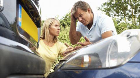 Ein Autounfall kann schnell teuer werden, gut wenn die Kfz-Versicherung zahlt