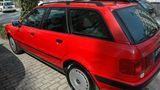 Der Lohn nach fünf Stunden: Spätestens nach der Versiegelung kann sich der Audi 80 wieder sehen lassen. Ehrlicherweise muss gesagt werden, dass so ein Härtefall mehr Arbeitszeit benötigt, um die Versäumnisse von Jahren fachgerecht zu entfernen.