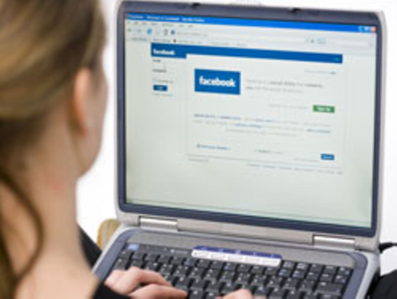 Alleine in Amerika sind 45 Prozent der Bevölkerung mit Begeisterung in sozialen Netzwerken wie Facebook aktiv
