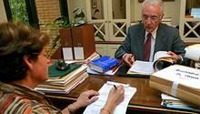 Eine Erbschaft ist oft mit viel Papierkram verbunden: Bringen Sie Ordnung in Ihre Unterlagen