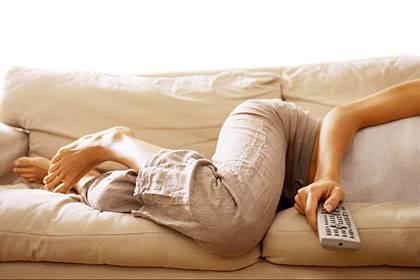 Wer mehr als vier Stunden am Tag Fernsehen guckt, schadet offensichtlich seiner Gesundheit