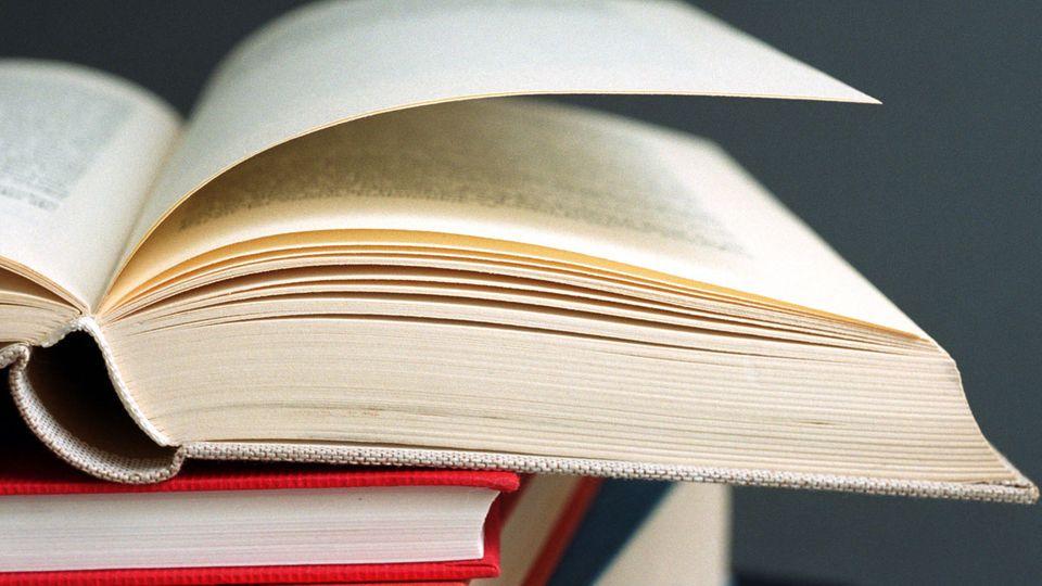 Ein geöffnetes Buch.