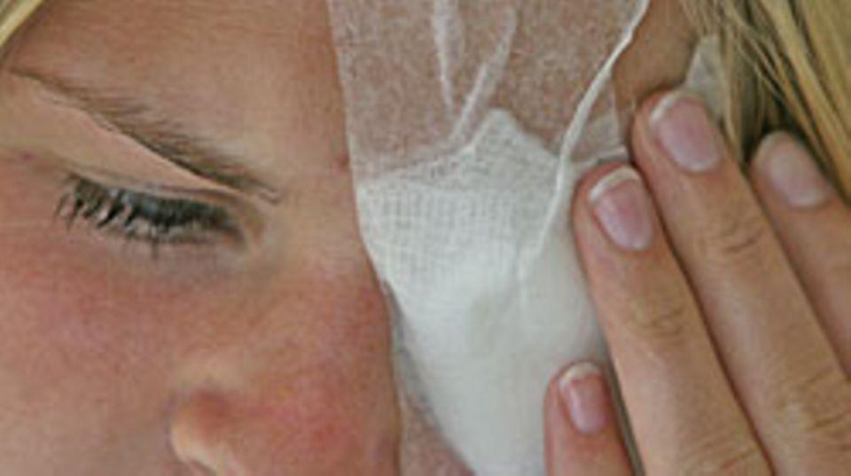 Ärzte warnen vor Billig-Operationen am Augenlid