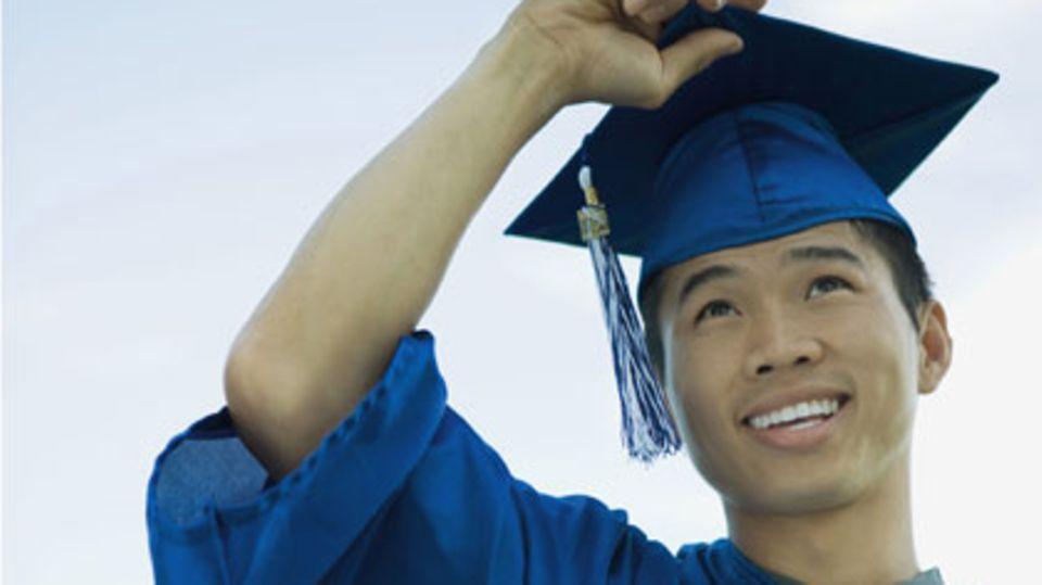 Der Bachelor-Abschluss hat sich an den Unis als erster akademischer Grad weitgehend durchgesetzt