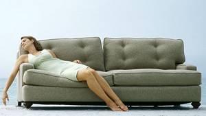 Mit einer Couch am Strand werden die wenigsten Gastgeber dienen können, aber wer sich mit einem simplen Schlafplatz zufrieden gibt, kann per Cousurfing gut und günstig übernachten