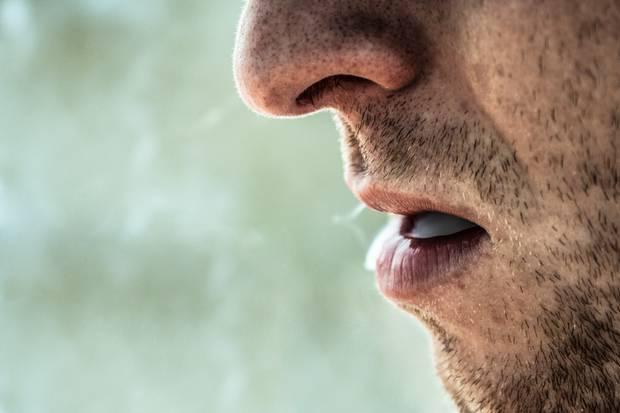 Abzugewöhnen, das Gras zu rauchen