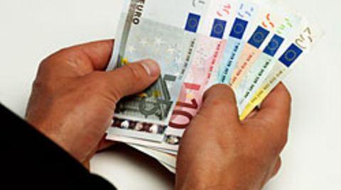 Rund 6400 Euro plünderte der Angeklagte vom Konto seiner toten Nachbarin