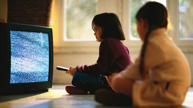 Kinder nehmen sich rauchende Filmhelden zum Vorbild