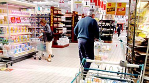 Experten befürchten, dass es immer mehr Senioren geben könnte, die etwa Supermärkte ausrauben