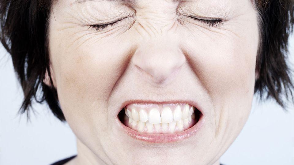 Autsch: Nerven leiten die Nachricht von der Schmerzstelle bis ins Gehirn