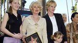 """Filmstar wollte Hedren nie werden - und doch begründete sie eine Schauspielerinnen-Dynastie. Mit nur zwölf Jahren stand Melanie Griffith in """"Smith! - Ein Mann gegen alle"""" 1969 erstmals vor der Kamera. In den 80er Jahren war sie eine der gefragtesten Schauspielerinnen Hollywoods"""