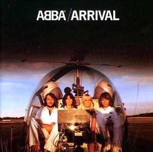 """Abba: Auf keiner 70er-Jahre-Party darf diese Musik fehlen! Mit ihren unzähligen Hits war das schwedische Quartett seit dem Grand-Prix-Sieg mit """"Waterloo"""" ein Dauerbrenner im Radio und in den Hitparaden. Auf Arrival aus dem Jahre 1976 sind zahlreiche, inzwischen zu Klassikern gewordene Titel wie """"Dancing Queen"""", """"Knowing Me, Knowing You"""" oder """"Money, Money, Money"""" versammelt."""