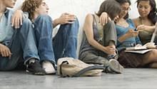 Nur um die 35 Prozent der 15- bis 24-Jährigen fühlen sich vom Treiben in Parteien und Parlamenten angesprochen