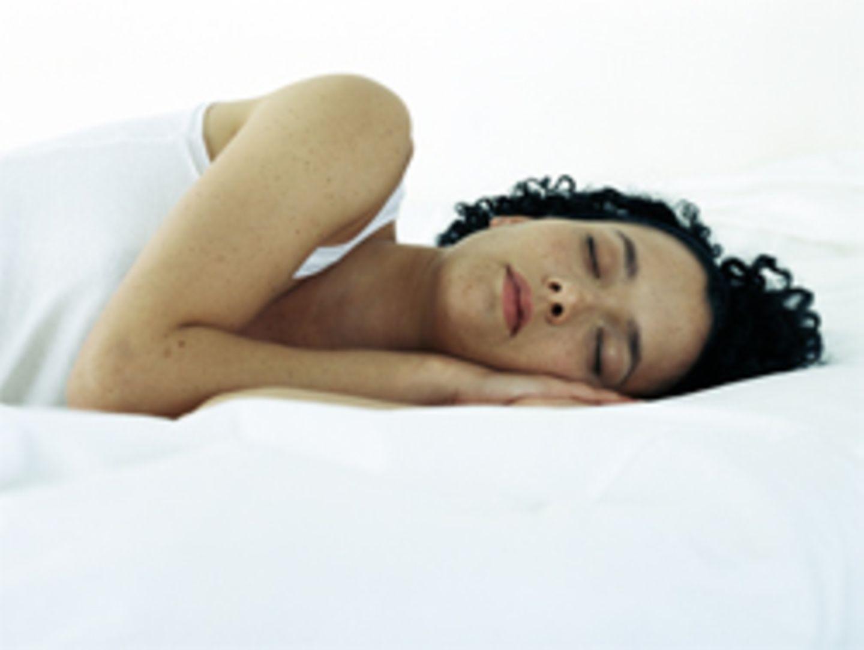 Ausreichend Schlaf beugt Übergewicht vor
