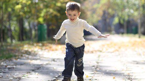Manchmal kann eine Operation bei eine Hüftfehlstellung helfen, damit Kinder wieder besser laufen können